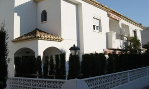 La Villa Riviera Attached House in Denia