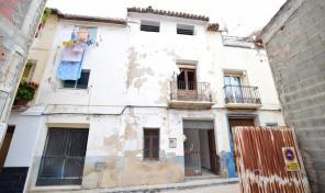 Townhouse Virgen de los Desamparados in Callosa d´en Sarria