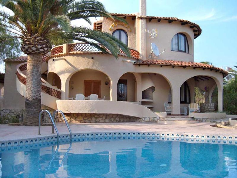 Villa canuta baja en calpe comprar y vender casa en calp benidorm altea moraira alicante - Restaurante puerto blanco calpe ...