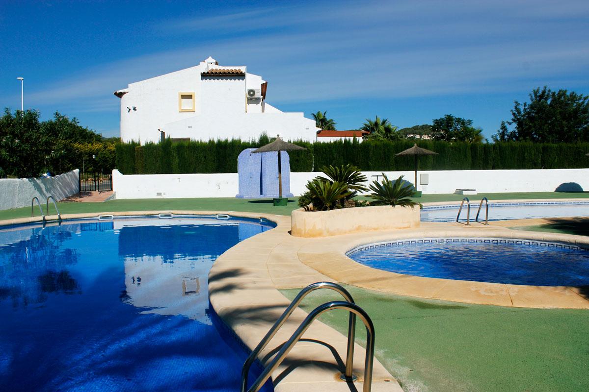 Bungalow puerta del sol en calpe comprar y vender casa for Puerta del sol 3