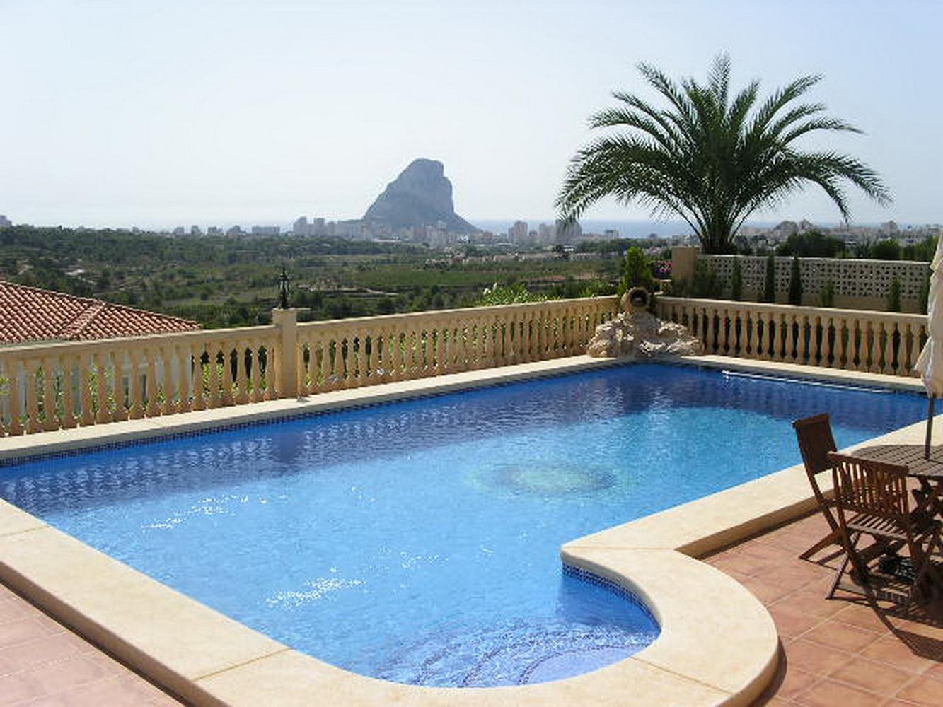Villa empedrola en calpe comprar y vender casa en calp for Villas en calpe con piscina