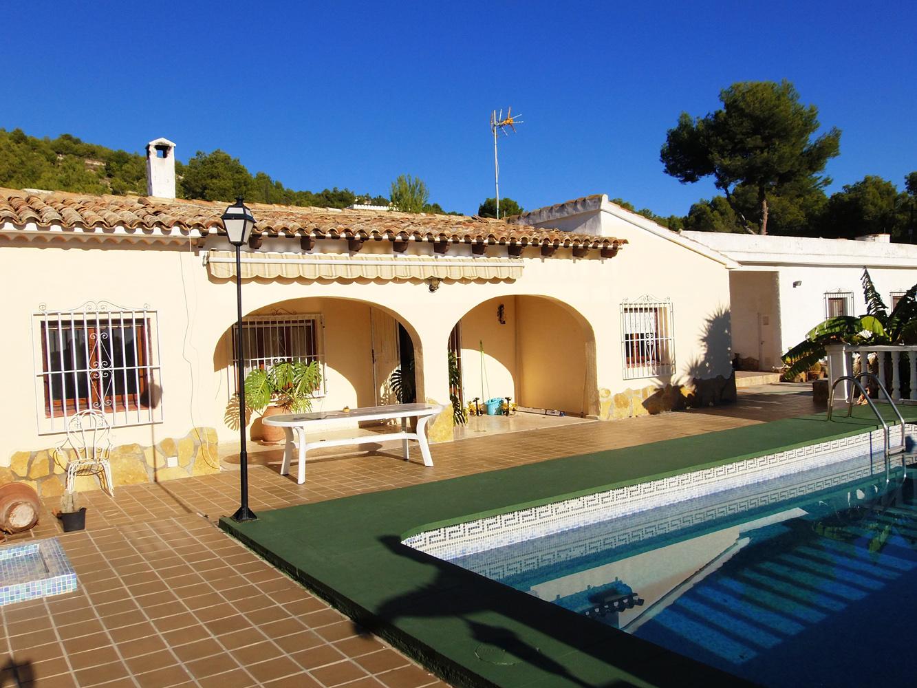 Villa gran sol f ii en calpe comprar y vender casa en for Villas en calpe con piscina