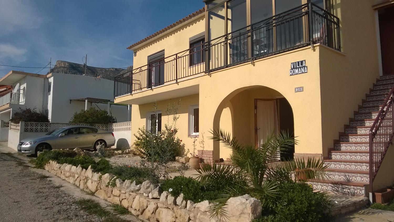 Villa benicolada 2 en calpe comprar y vender casa en for Villas en calpe con piscina