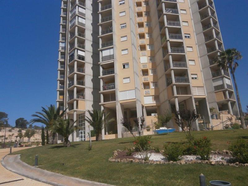 Apartamento presidente adolfo suarez en benidorm comprar y vender casa en calp benidorm - Compro apartamento en benidorm ...