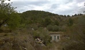 Загородный домик с земельным учаском в Бениссе