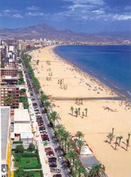 Пляж San Juan в пригороде Аликанте